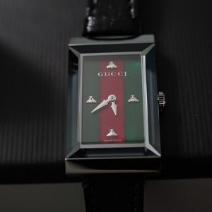 Gucci Unisex Leather Watch